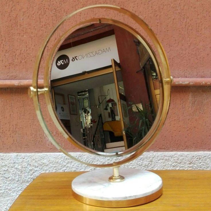 Specchio da tavolo regolabile, in ottone con base in marmo.  1960 Misure 57x64hx30 diametro base 45 diametro specchio  Ottime condizioni #magazzino76 #viapadova76 #M76 #modernariato #antiquariato #vintage #oggettidarte #ottone #anni60 #designforall  #nolovintage #anni70 #antiquariatoviapadova #design #specchiinottone #specchio #marmo #compromodernariato #mirror #comprodesign #solocoseoriginali #perfettecondizioni