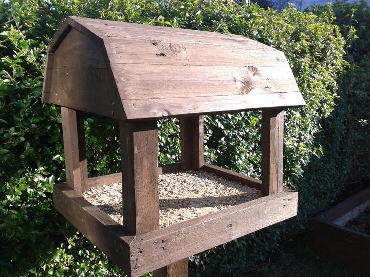 pallet bird table 1