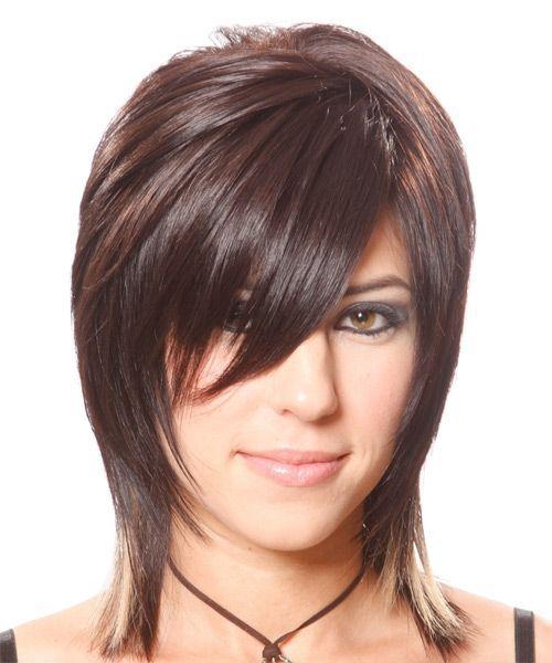 Llevar el pelo cortado hasta los hombros está causando furor,ya que se obtiene detalles altamente relevantes y con posibilidades de hacer ca...