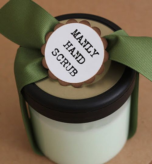 Manly Hand Scrub | Creating an effective sugar hand scrub is a great way to use natural ingredients in a new way! Try this recipe for your favorite guy.