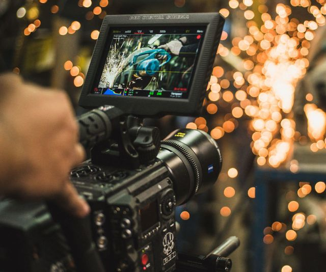 Weapon 8K S35 Digital Cinema Camera - http://tiwib.co/weapon-8k-s35-digital-cinema-camera/ #Photography