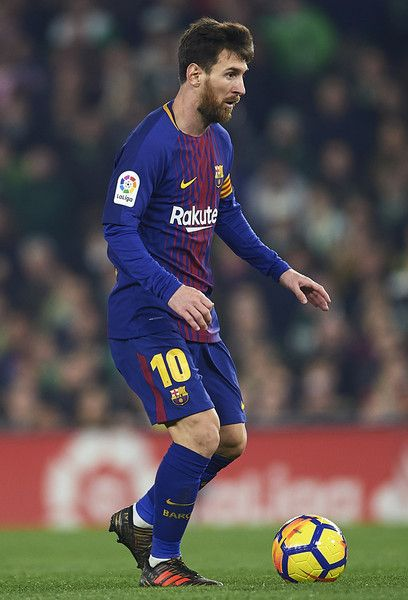 Lionel Messi of FC Barcelona in action the La Liga match between Real Betis and Barcelona at Estadio Benito Villamarin on January 21, 2018 in Seville, . - 67 of 81