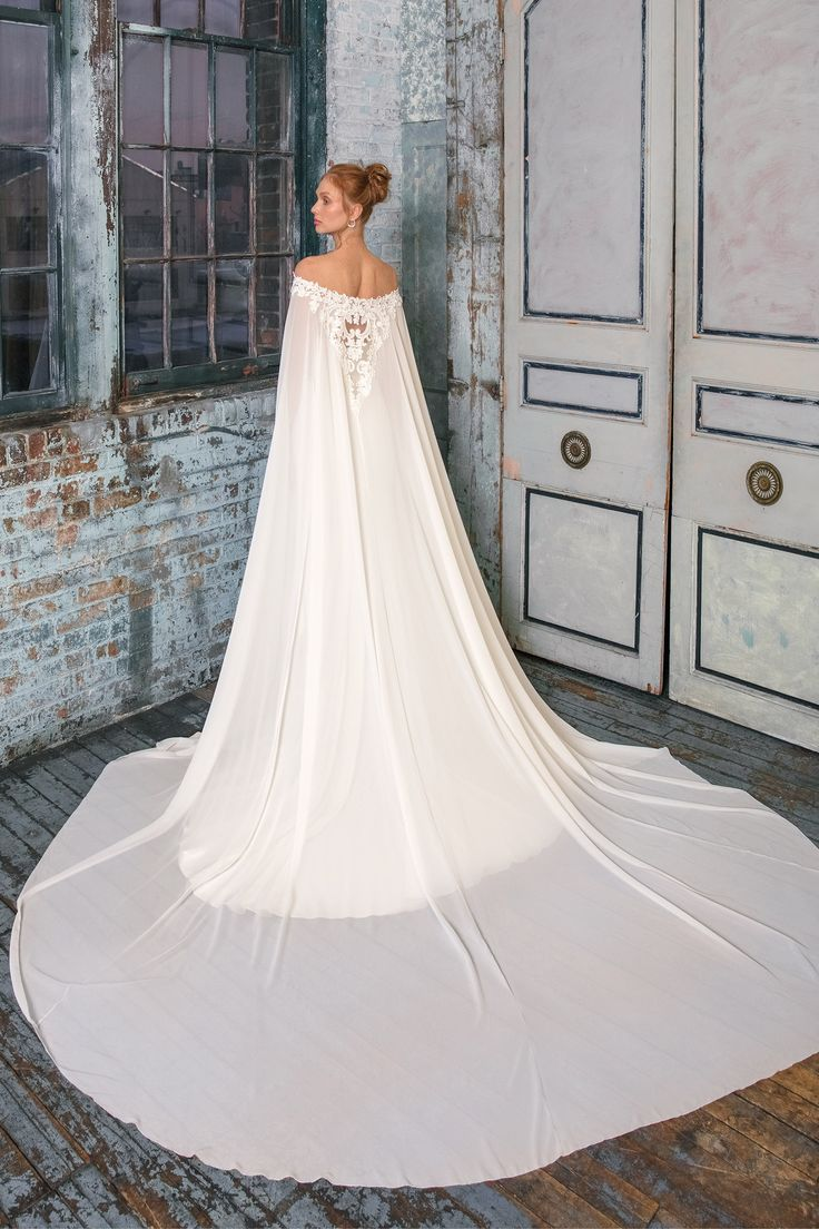 Style 99019: Crêpe Fit und Flare Kleid mit Chiffon Cape | Justin Alexander Signa …   – Love and Marriage, Love and Marriage…