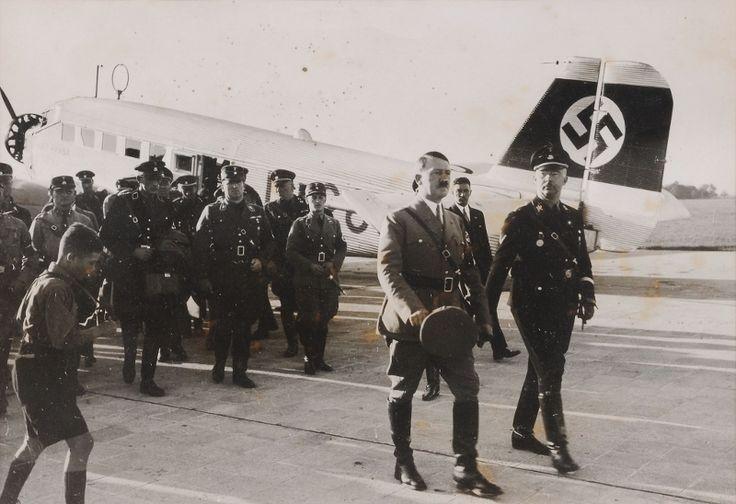 În vara anului 1936, după elaborarea planurilor și alocarea sumei de 4,8 milioane de lei, la Timișoara a început construirea unui aeroport.