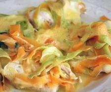 Recette Suprême de poulet aux tagliatelles de carottes et courgettes et son riz parfumé aux legumes par pattybb - recette de la catégorie Plat principal - divers