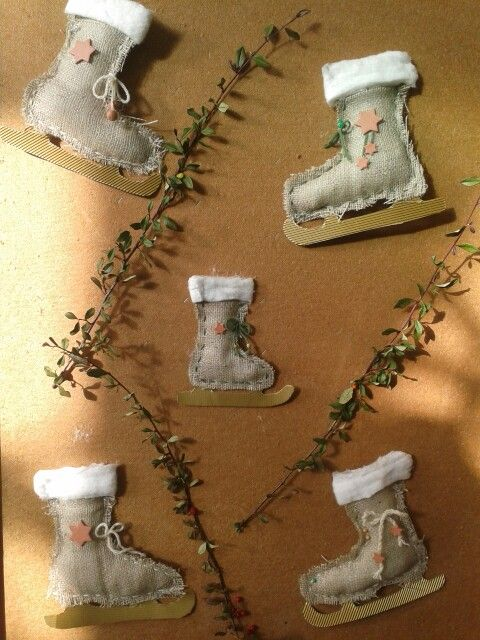 Selbstgebastelter eislaufschuh aus juttesack weihnachtliches dekorieren pinterest - Weihnachtliches dekorieren ...