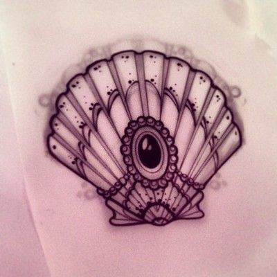 jeweled seashell. could use something like this in my mermaid tattoo