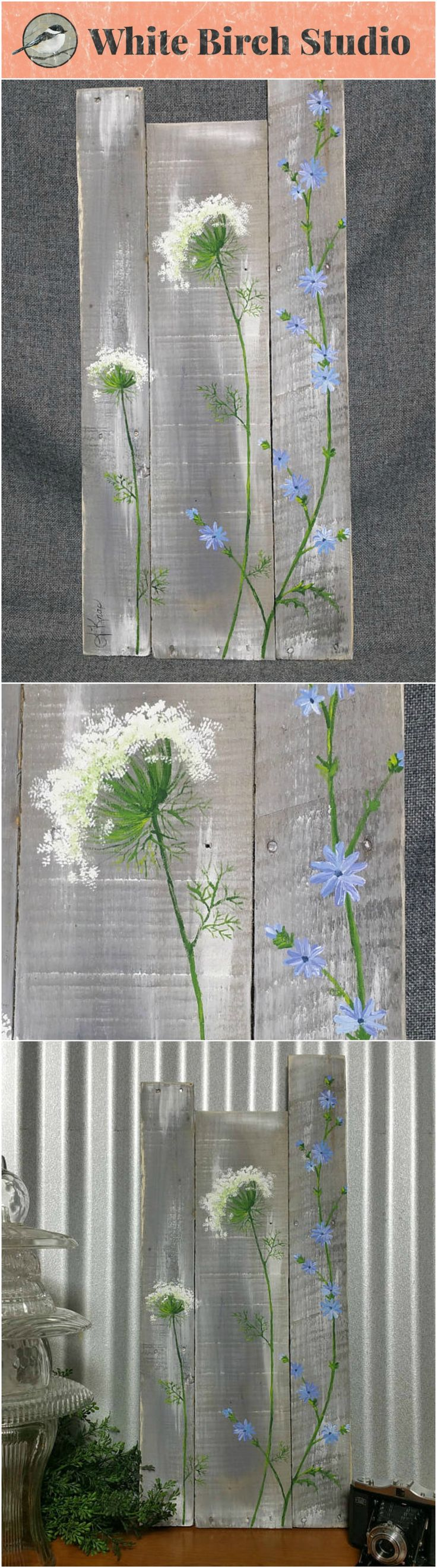 Pallet wall art, wild flowers greenery, Farmhouse decor, gray aged wood, hand painted flowers, Queen Ann Lace, Rustic shabby, Reclaimed   This gray and white-washed piece would be a great, personal touch to your Spring and Summer decor at home or at your cottage.