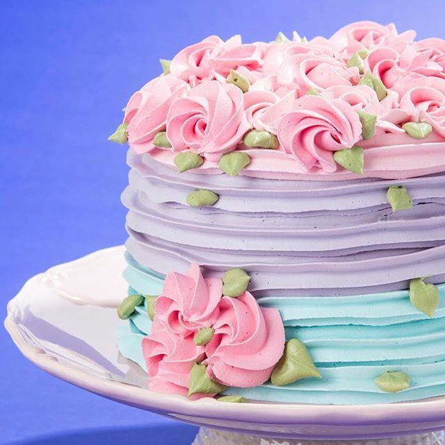 Janainasuconic CHANTININHO cake! I loved doing !!!