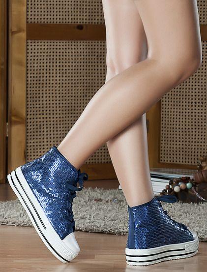 Αθλητικά Αλίνα - Αθλητικά με χοντρή ψηλή σόλα και φαρδιά κορδόνια.Είναι διακοσμημένο με μικρές παγιέτες. 29.99€ #koketa #fashion #shoes
