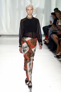 Elbise altı pantolon modası - Sevgili Moda - Kadın - Moda, Magazin, Güzellik, İlişkiler, Kariyer