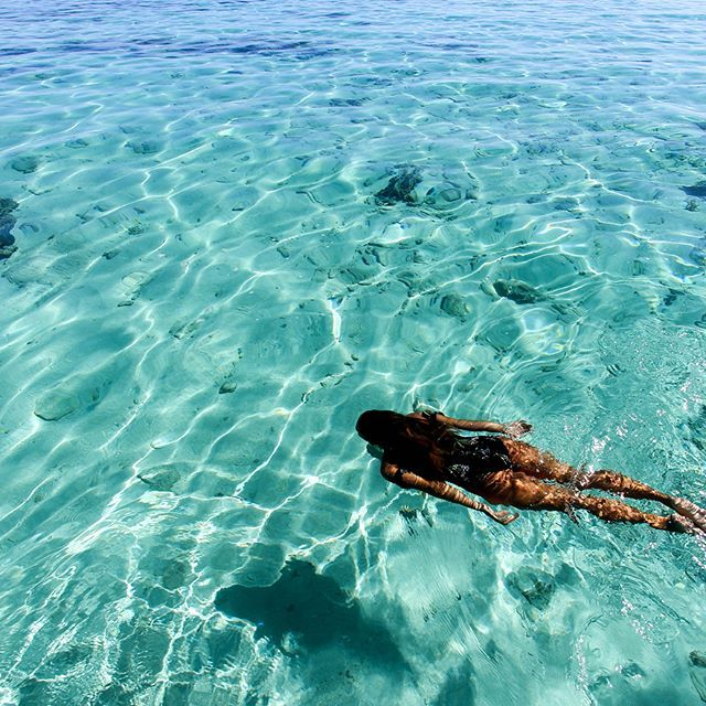 swipe left to view surf muse @ambermozo's fiji photo diary  farah one piece #ONeillWomens
