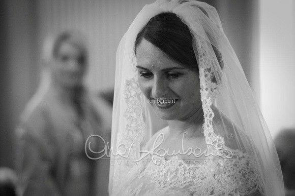 Tendenze sposa 2016. Il velo richiama il pizzo dell'abito da sposa. Raffinatezza assicurata! | Cira Lombardo Wedding Planner
