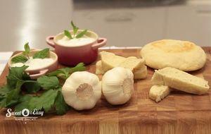 Pita Brot mit Gurken-Minz-Tzaziki: Das Rezept aus Enie backt