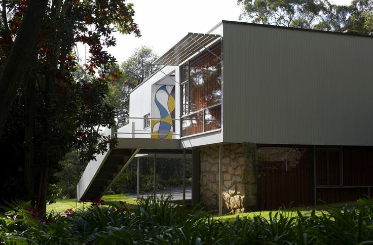 Exterior view of Rose Seidler House, showing rear of side access ramp.