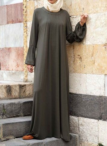 Jersey Pleated Abaya Save 48% Forest color Based on the design of our comfortable Jersey Pleated Dress Top, this lightweight, soft abaya is a perfect statement of modest fashion. Contemporarily styled, thoughtfully cut, and beautifully pleated, it's the easiest, simplest, and most comfortable way to look good, modestly.