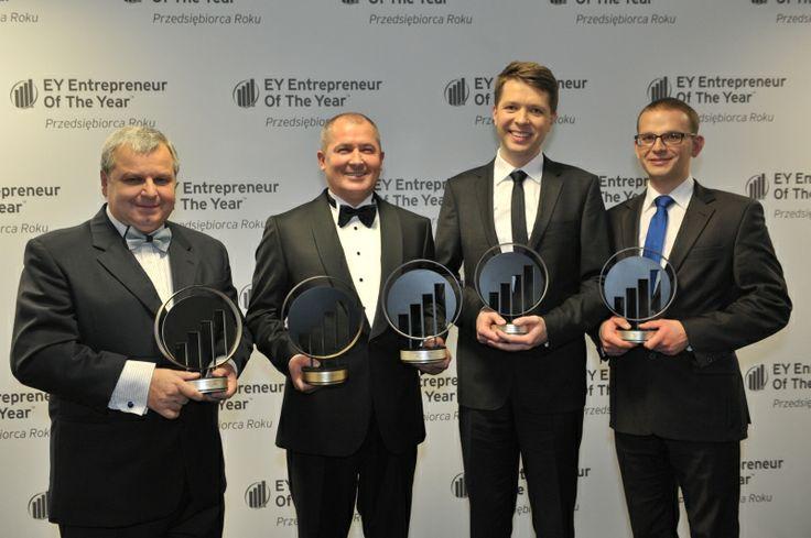 Grono zwycięzców konkursu EY Przedsiębiorca Roku. EY Entrepreneur Of The Year 2013 Poland
