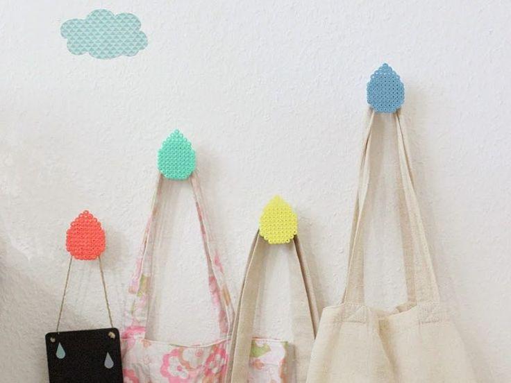 DIY tutorial: Maak met strijkkralen haakjes voor aan de muur via DaWanda.com