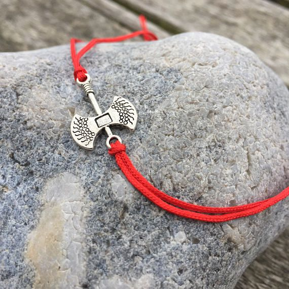 Thors Hammer Ankle Bracelet, Tie-On Anklet, Ankle Jewellery, Boho Ankle Jewelry, Simple Ankle Bracelet, Simple Anklet, Foot Jewellery #sunnydazestudio #Bexhill #anklebracelet #anklet #thorshammer #footjewellery #handmade #bohoanklet #ankletforhim #ankletforher #anklebraceletforhim #anklebraceletforher #tieonanklet #beachjewellery
