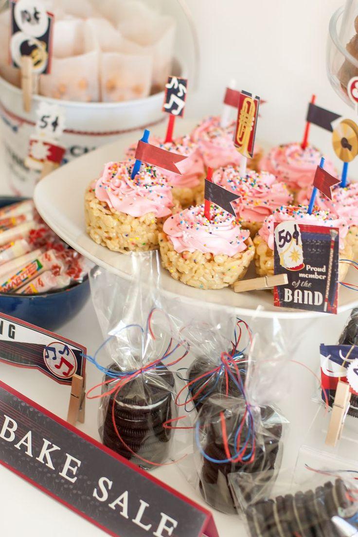 Display ideas Bake-Sale-2