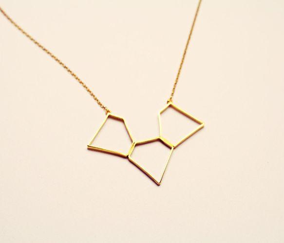 3 diamonds Necklace