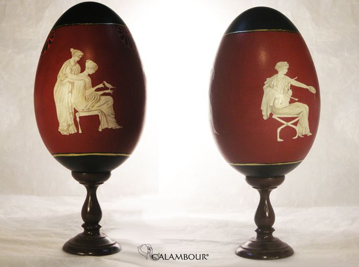 ETRUSCAN STYLE WOODEN EGGS  - Painted and decorated eggs with Calambour paper for decoupage and Red acrylic bolus /// UOVA DI LEGNO CON DECORAZIONE AD EFFETTO ETRUSCO - Uova dipinte e decorate con la carta per il decoupage di Calambour e il bolo acrilico rosso http://www.calambour.it/en/products/auxiliaries-for-gilding.html#!DOR1 http://www.calambour.it/en/our-papers/paper-for-classic-decoupage/ad.html#!AD_002