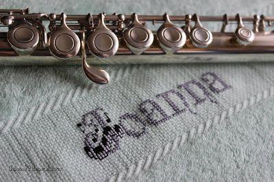 Ręcznik muzyka. Music towel.