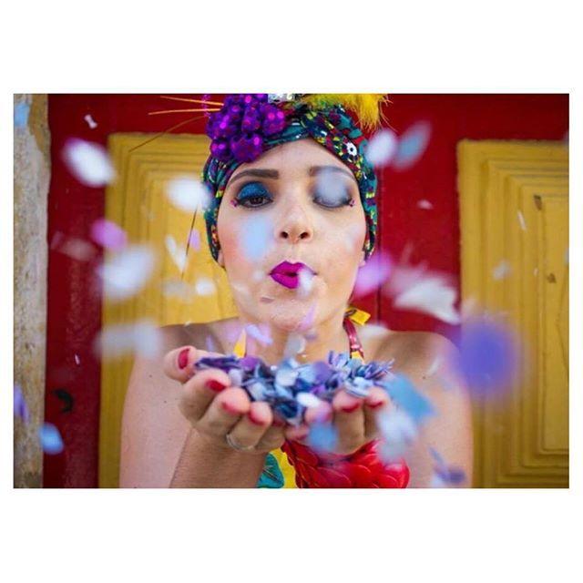 E a gente já contando os minutos pro lançamento da nossa coleção { Papoila na folia } 🎉🎊 com os looks mais incríveis pra todo mundo arrasar no carnaval!! 😍 YEAHH! ✨ ⠀⠀⠀⠀⠀⠀⠀⠀⠀⠀⠀⠀⠀⠀⠀⠀⠀⠀⠀⠀ Ph: @geramonteiro ⠀⠀⠀⠀⠀⠀⠀⠀⠀⠀ Acessórios: @tatianadidier ⠀⠀⠀⠀⠀⠀⠀⠀⠀⠀ Modelo: @_danielebarbosa ⠀⠀⠀⠀⠀⠀⠀⠀⠀⠀ #usepapoila #papoilanafolia #chegalogocarnaval #euamocarnaval #carnaval2016 #carnavalderecife #carnavaldeolinda #penocarnaval #carvalheiranaladeira #mansaobonfim #galodamadrugada #euachoépouco…