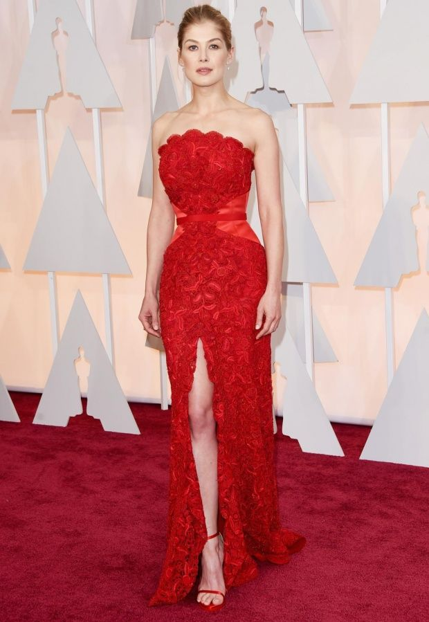 Rosamund Pike. A wow in red!