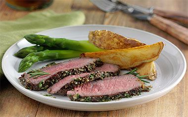 Rosemary Garlic Rubbed Steak Recipe... This exceptionally flavorful easy-to-make steak is layered with just the right amount of seasoning.Rosemary Garlic, Favorite Steak, Beef Recipe, Steak Recipe, Rosemary'S Garlic Rubbed Steak, Rubs Steak, Favorite Recipe, Easy To Mak Steak, Rosemary'S Garlic Rubs