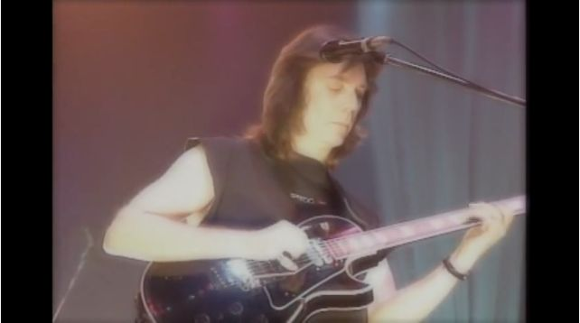 Steve Hackett: Firth of Fifth guitar solo.