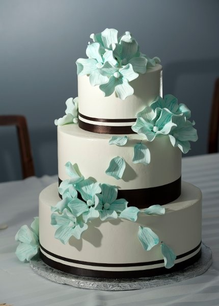 Modern Blue Brown Ribbon Spring Winter Wedding Cakes Photos & Pictures - WeddingWire.com