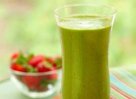 Spinach and Strawberry Smoothie..........smoothie recipes under 200 calories