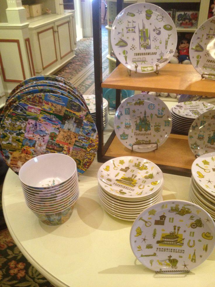 Plastic dinnerware & 1068 best Disney Plates + Mugs images on Pinterest | Disney mugs ...