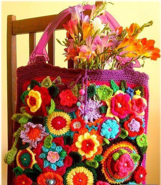 El örgüsü renkli çiçekli baharlık bayan çanta modeli