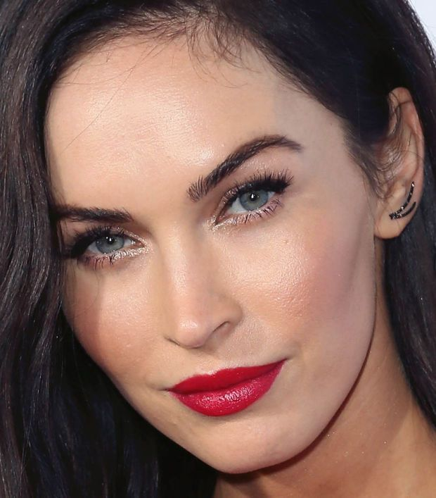 Shimmery eyes and illuminated skin—well done, Megan. http://beautyeditor.ca/2014/10/14/red-lips-red-dress-megan-fox