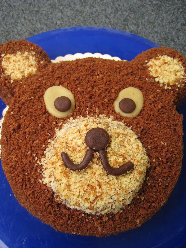 Bären-Kuchen. backen, Sachermasse, weiße Schokolade, dunkle Schokolade, Sahne-Puddingcrème, Schokoladenbuttercrème, Schokoladencremetorte
