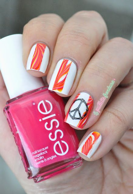 Peace, love and water marble - Home made water marble decals - seventies hippie look with pink orange marbled nails and bp39 born pretty stamping nail art - http://lapaillettefrondeuse.blogspot.be/2015/05/peace-love-and-water-marble-home-made.html