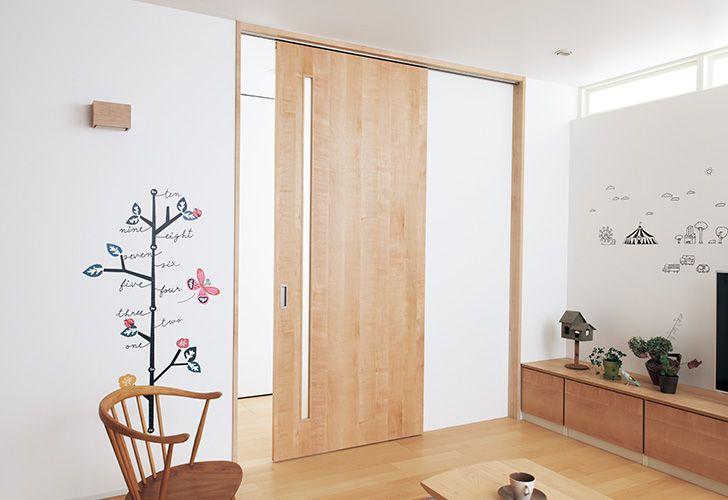 ドアの種類を知る 室内ドア 内装ドア 室内ドア フローリング 収納 Panasonic 室内ドア インテリアアイデア 省スペース家具