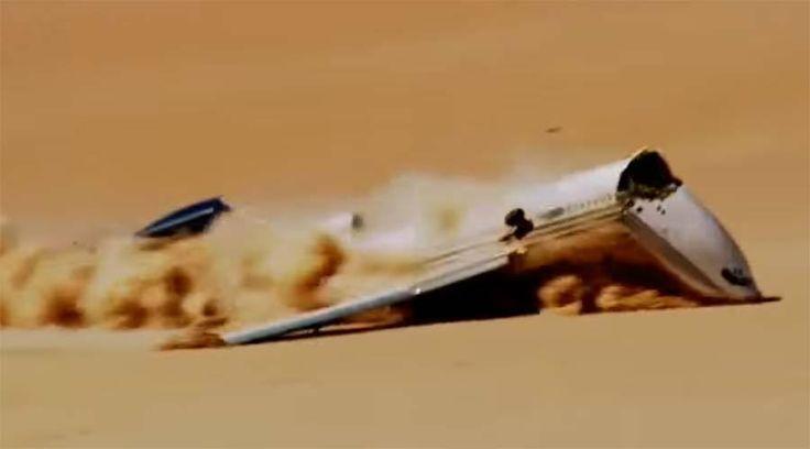 Beeindruckende Aufnahmen: Flugzeug-Notlandung in der Wüste.