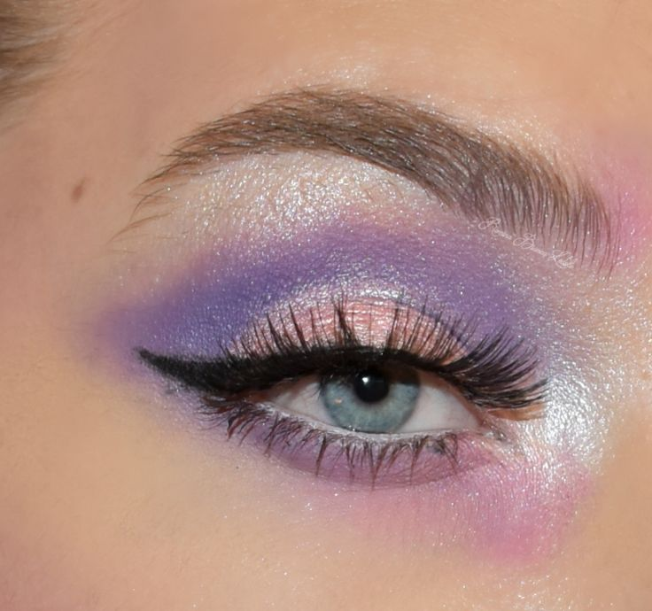 makeup ideas wing liner, lashes, purple, pink, unicorns