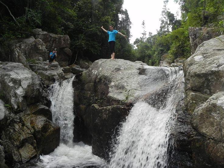 Suối nước trong lành trong khu du lịch sinh thái Khe Rỗ