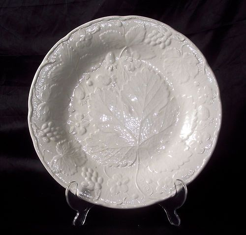 White Majolica Style Strawberry Grape Leaf Dinner Plate Davenport Burleigh