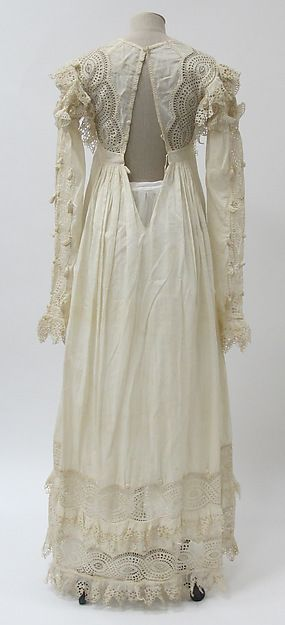 Dress (image 3) | British | 1815-20 | cotton | Metropolitan Museum of Art | Accession Number: 2014.41
