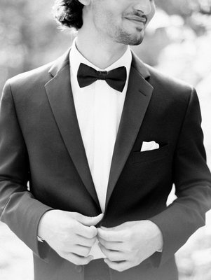 Classic tux | Photo by Erich McVey | Groom's Attire by Este's Menswear