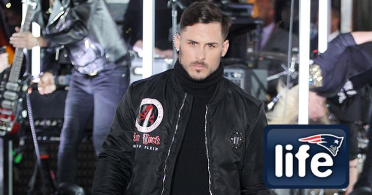 Danny Amendola made Patriots Nation proud when he hit the runway at New York Fashion Week on Monday night.