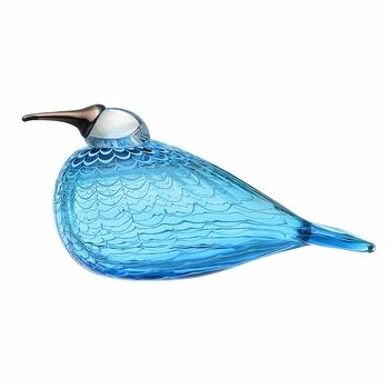 iittala Toikka Quendelon Glass Bird | Quendelon's captivating color may be the first feature that catches your eye; a transparent yet vivid blue, it is reminiscent of a clear sky.