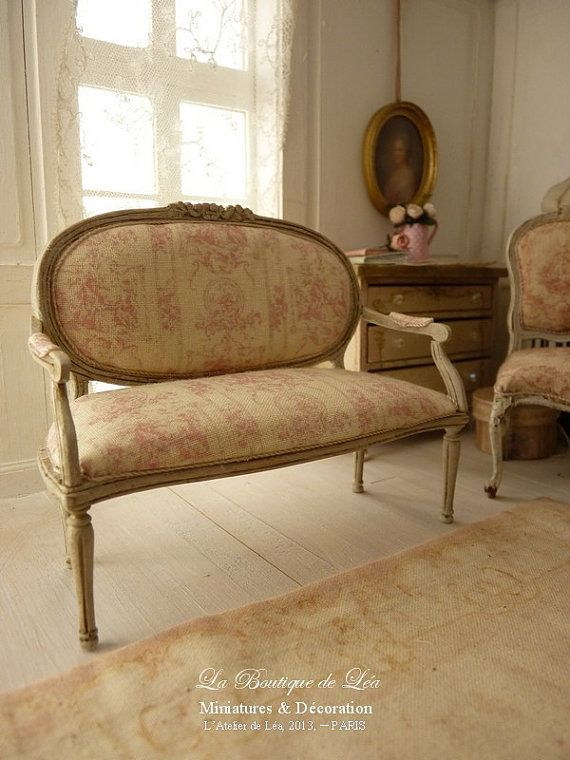 Marie-Antoinette French sofa Louis XVI - Pink French toile - Toile de Jouy - Furniture for a French dollhouse in 1:12th scale