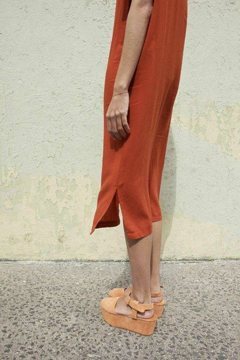 dark orange midi dress & peach suede platform sandals #style #fashion #summer