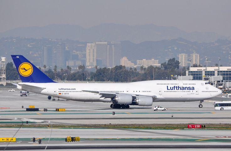 Lufthansa 747-8 Intercontinental at LAX on January 5, 2013.